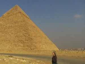 Baglady experiences pyramids